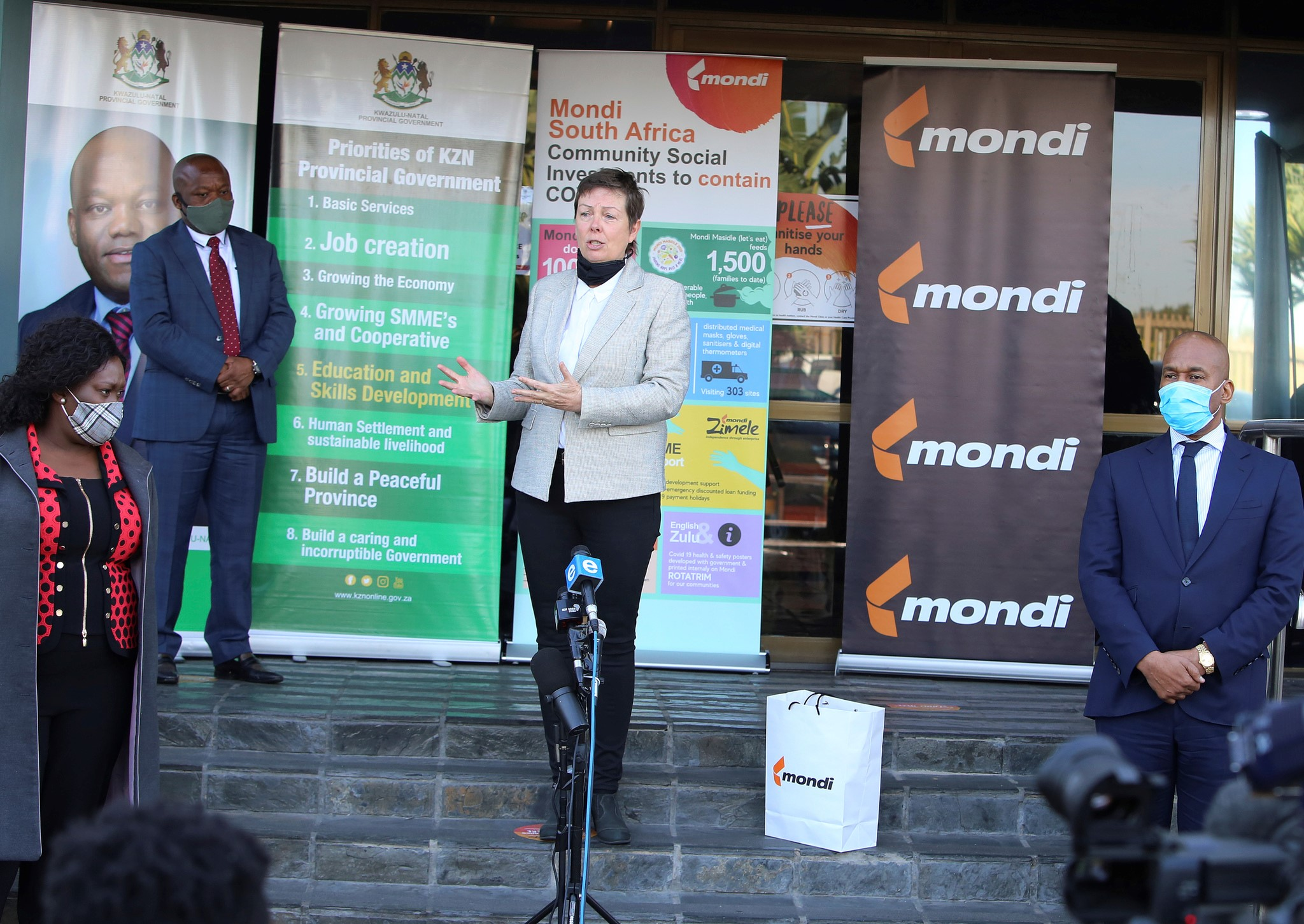 Mondi donated 100 000 medical grade masks in June to protect frontline healthcare workers in KwaZulu-Natal
